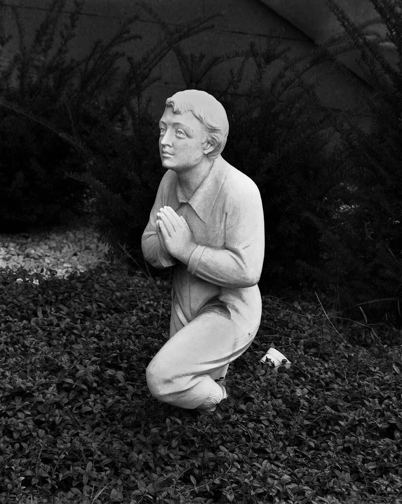 10-Kneeling-Figure