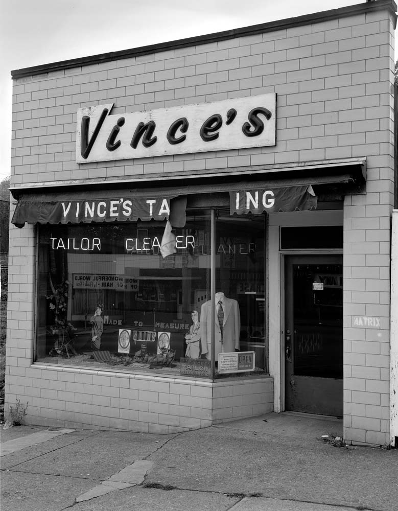 104-Vinces-Tailor-Shop