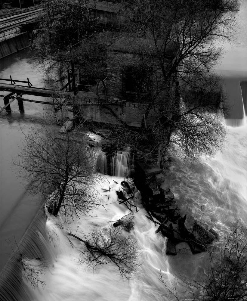 31-Locks-on-River