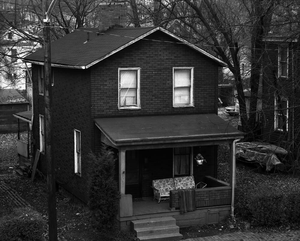 40-Lone-House