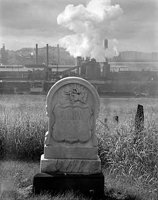 314_43-Headstone-_-Smoke