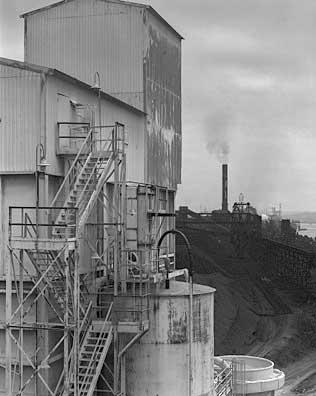 316_46-White-Black-Mill