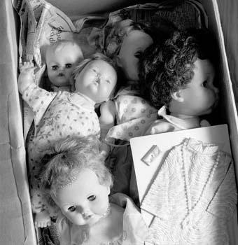 340_46_Box_O_Dolls