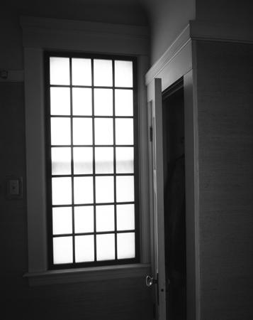 357_04_Hall_Window_Closet_Bk