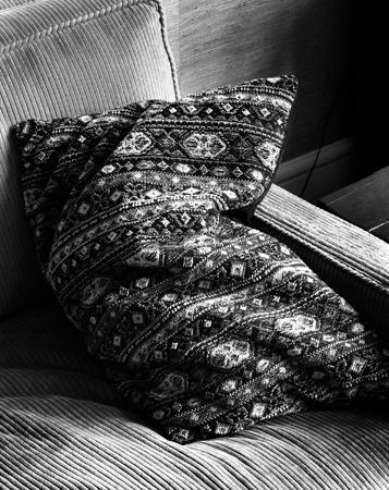357_15_Slumping_Pillow_Bk