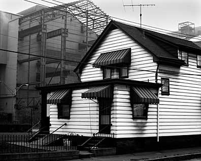 396_20-White-House-Dark-Mill