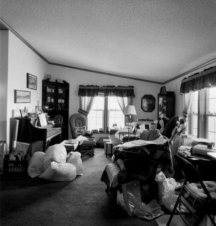 431_020_Chub_s_Living_Room_Clutter_10x