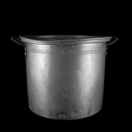 432_61_Aluminum_Pot